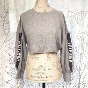 Tommy Hilfiger gray balloon sleeve crop sweater
